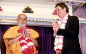 Param Pujya Pramukh Swami Maharaj with Tony Blair