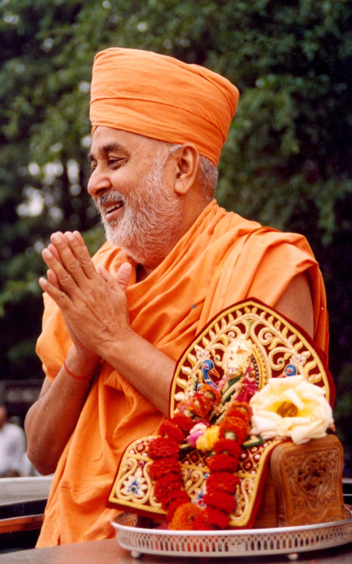 With Divine – HH Pramukh Swami Maharaj